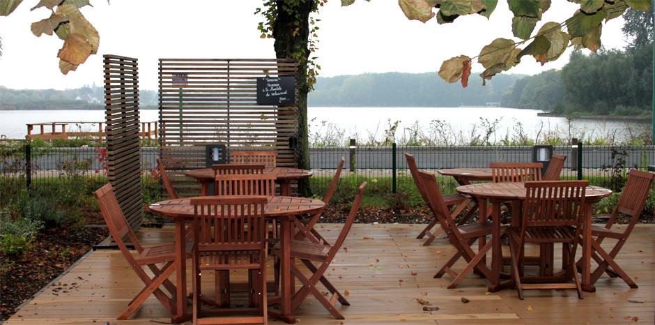 restaurant terrasse avec vue sur le lac d aubigny au bac. Black Bedroom Furniture Sets. Home Design Ideas